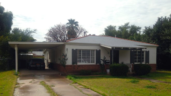Street view of the house in Hudson Manor. The neighborhood was developed by Conrad Carlson in the late 1940s.