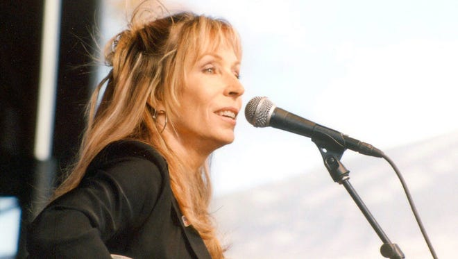Singer/songwriter Juice Newton will perform an acoustic concert on Valentine's Day in Abilene.