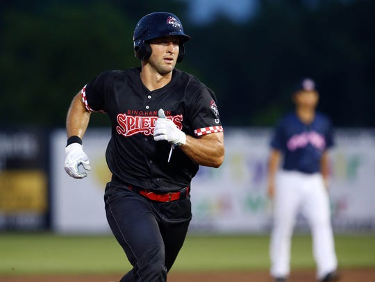 Binghamton Rumble Ponies left fielder Tim Tebow runs