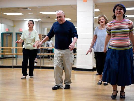 Northjersey.com's Bill Ervolino, second from left,