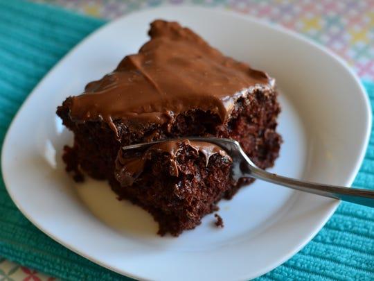 This Irish Cream Nutella Cake is decadent, simple,