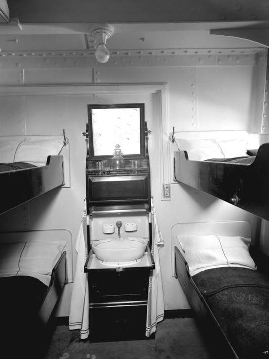 635957263492976300--2-Titanic-Third-class-cabin-family.jpg