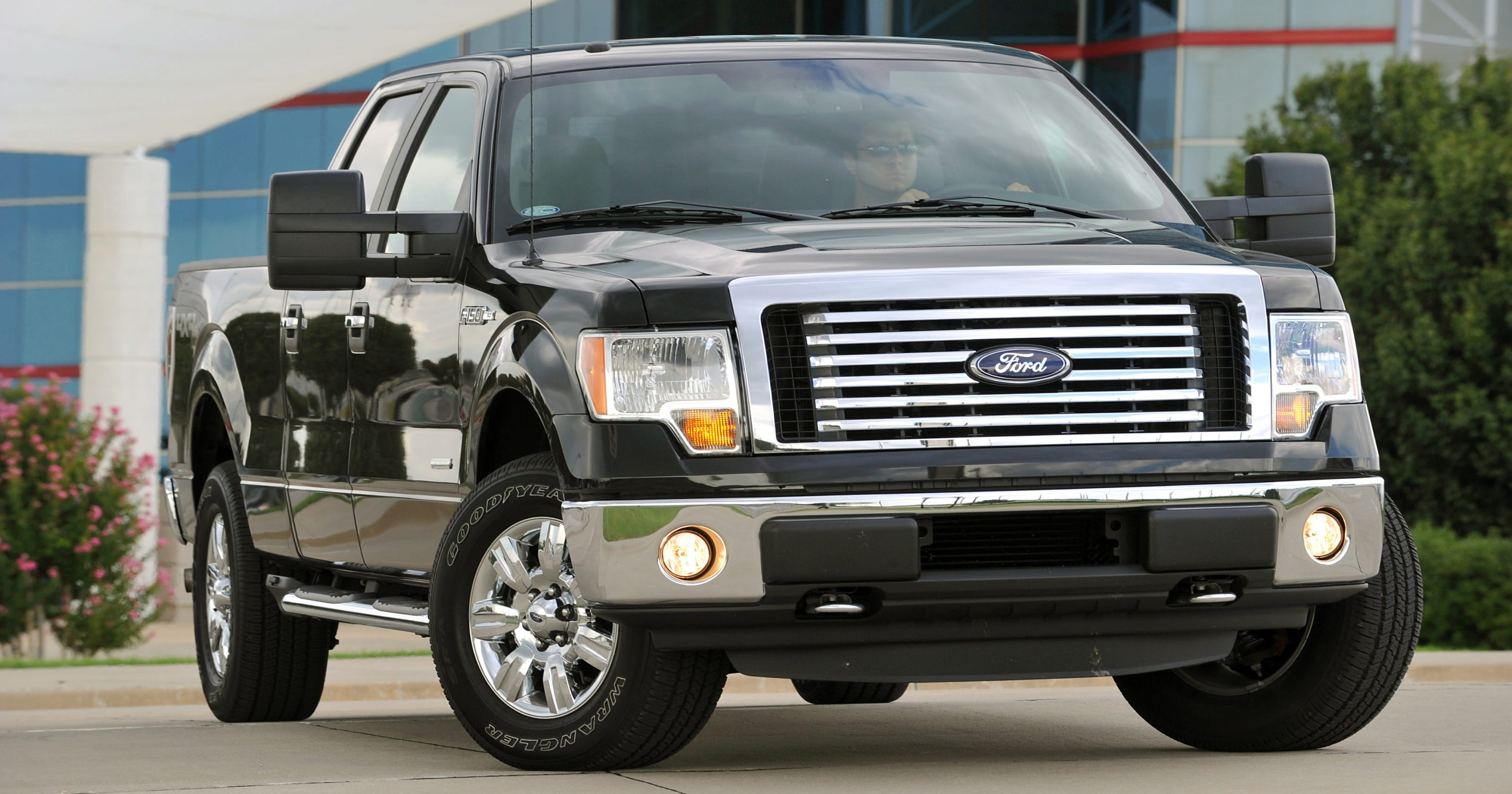Ford F-150 recalls pickups due to loss of control, accidents