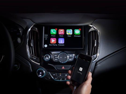 635683293250380131-CarPlay