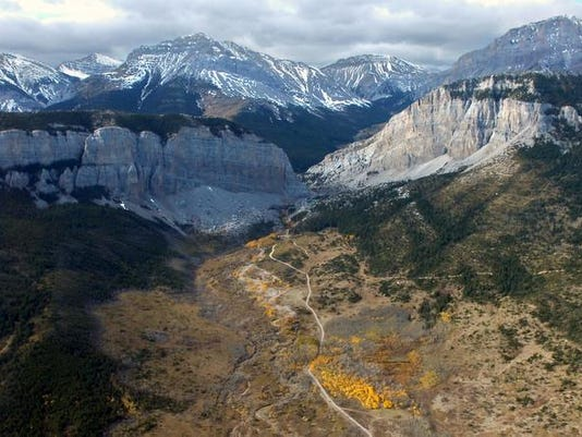 -Front Range Canyon.jpg_20071012.jpg