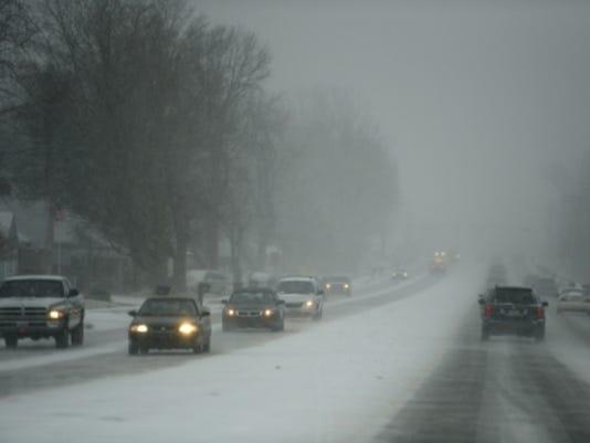 635596193550550790-snowy-roads