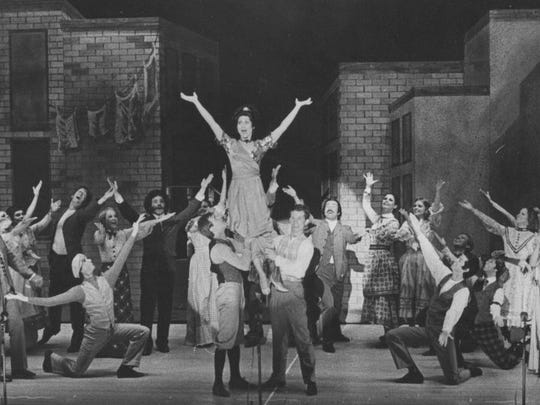 """Carol Lawrence was center stage in """"Funny Girl"""" at Starlight Musicals in July 1975."""