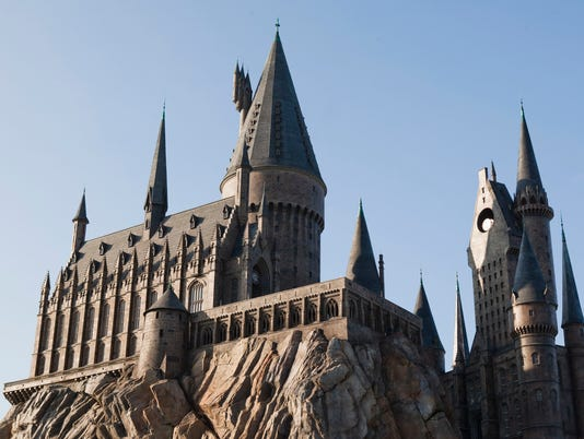 636651879404379397-Hogwarts-Castle-at-Islands-of-Adventure.jpg