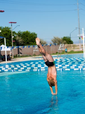 Williams, a junior, loves to skateboard year-round and only takes up diving during the high school season from late August to early November.