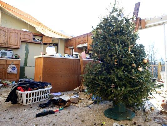 Selmer families begin rebuilding after tornado