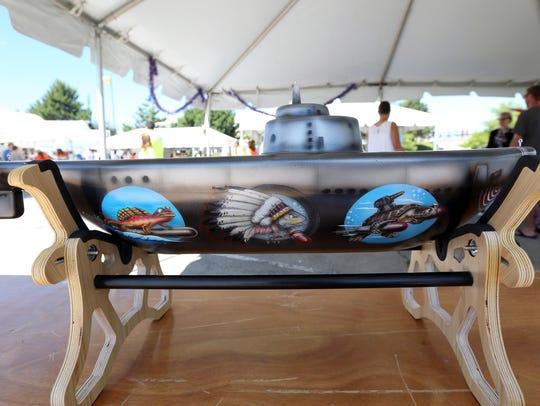 Justin Deprey's sub art showcased Ray Young's Manitowoc-built