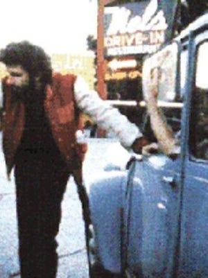 "George Lucas on the set of ""American Graffiti"""