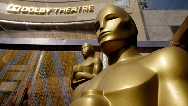 The Oscar statuette is displayed on the red carpet during the 88th Annual Academy Awards at Hollywood & Highland Center on February 28, 2016 in Hollywood, California.  (Photo by Frazer Harrison/Getty Images)