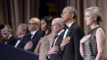 US President Barack Obama (2-R) and First Lady Michelle Obama (4-R) attend the White House Correspondents' Association annual dinner at the Washington Hilton hotel in Washington, DC, USA, 30 April 2016. This is President Obama's eighth and final White House Correspondents' Association dinner.