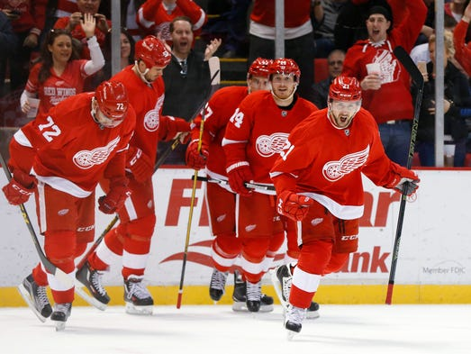 Detroit Red Wings left wing Tomas Tatar (21) celebrates