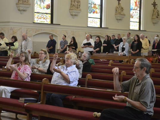 636010616889254742-Deaf-Mass-photo-3-6-5-16.jpg