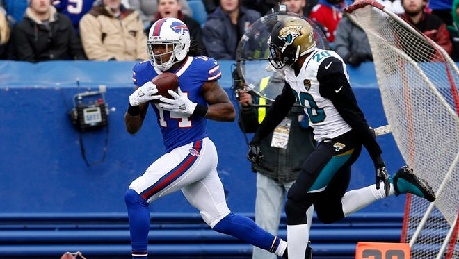 Bills wide receiver Sammy Watkins caught all three of his targets in Week 12, including this 62-yard bomb vs. the Jaguars.