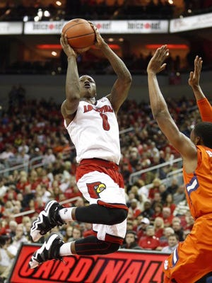 Terry Rozier scored 6 points in an ugly first half Wednesday that left U of L trailing Clemson 22-18 at the break.