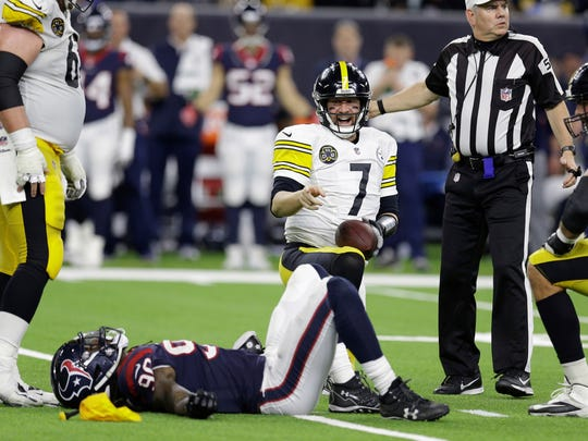 Pittsburgh Steelers quarterback Ben Roethlisberger (7) points to Houston Texans outside linebacker Jadeveon Clowney (90) after Clowney was called for grabbing his face mask during the second half of an NFL football game Monday, Dec. 25, 2017, in Houston. (AP Photo/Michael Wyke)