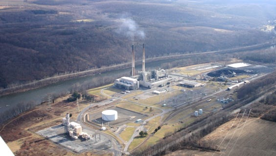 The coal-fueled Portland Generating Station on the Delaware River in Pennsylvania with its emissions being blown into New Jersey several years ago. The plant no longer uses coal and operates only during periods of high demand.