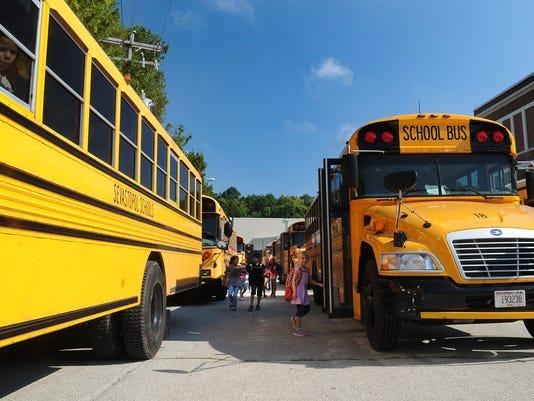 -DCA 0913 bus driver shortage.jpg_20140910.jpg