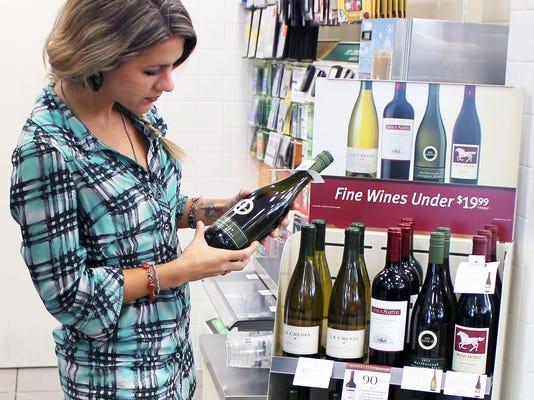 90-pt wine display
