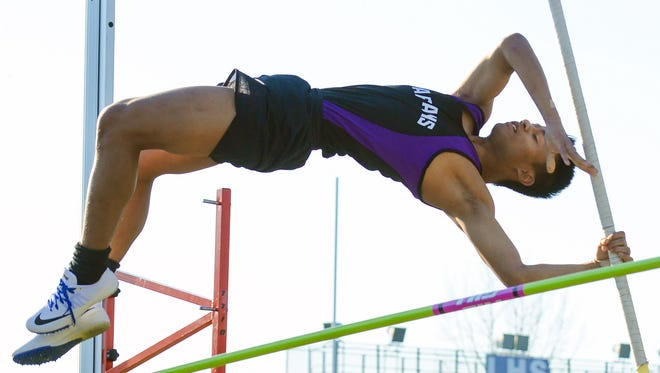 Lakeview's Augustine Vanlianuk participates in the pole vault at the Lakeview Invitational.