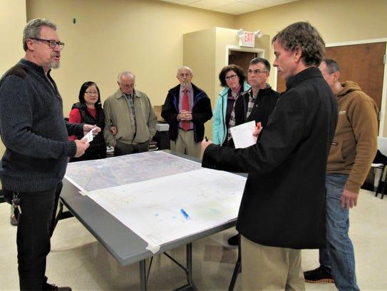 North Watt Road corridor residents met with town officials