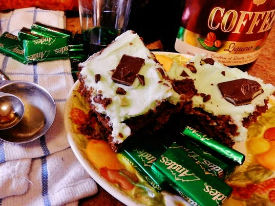 -Green-Mint-St-Patrick-s-Day-Brownies--Barbara-Deck.jpg
