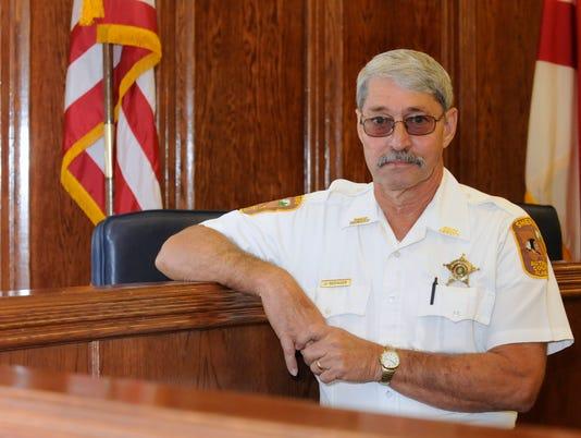 -sheriff2039.jpg_20121018.jpg