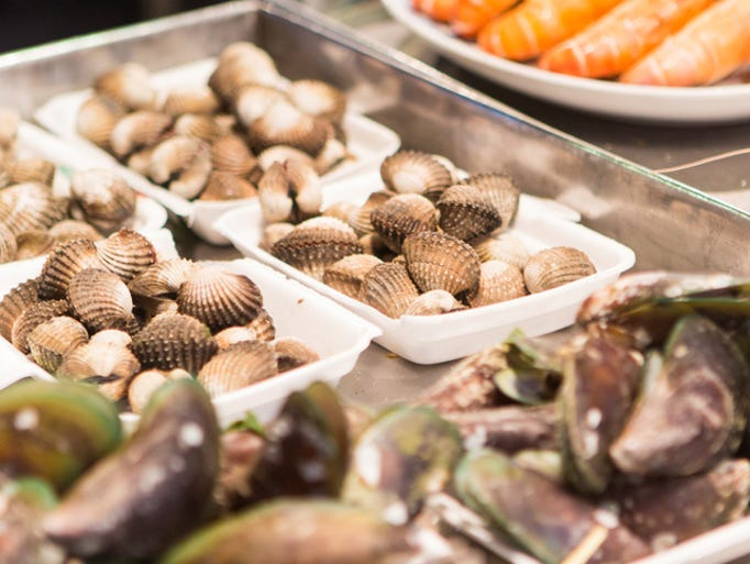 DON'T: Order just one kind of shellfish. Try a few