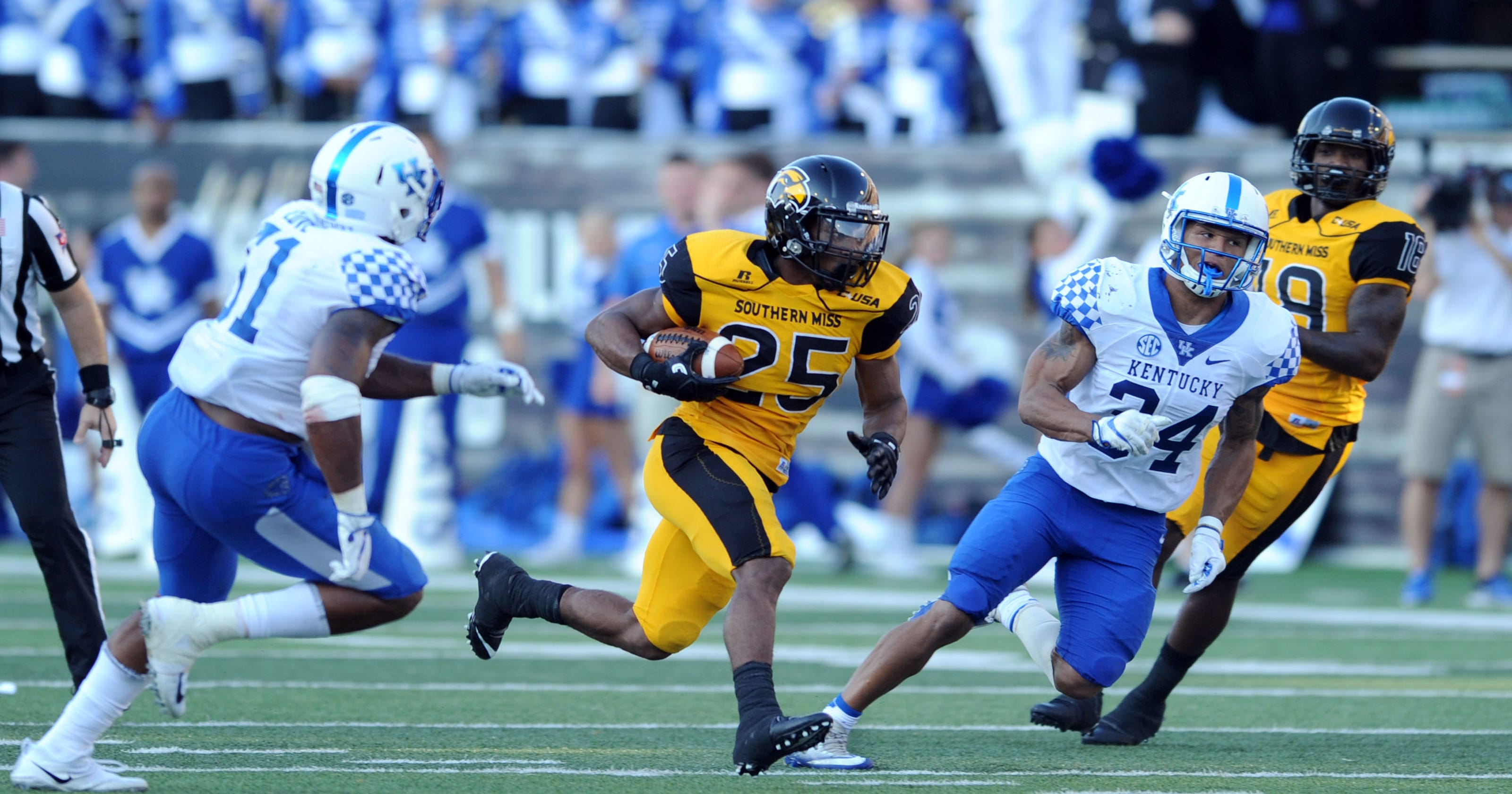 Southern Miss' Allenzae Staggers, Ito Smith held in check