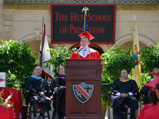 Valedictorian and Faculty Prize winner Jonathan Levine speaks to his classmates.