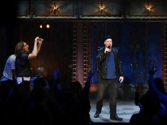 Roastmaster Jeff Ross opens the 'Roast Battle' show