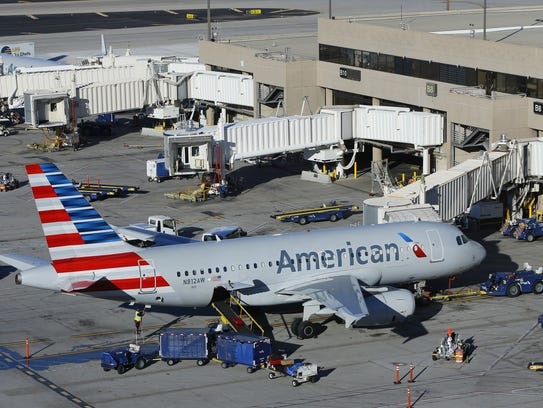 An American Airlines plane at Sky Harbor International