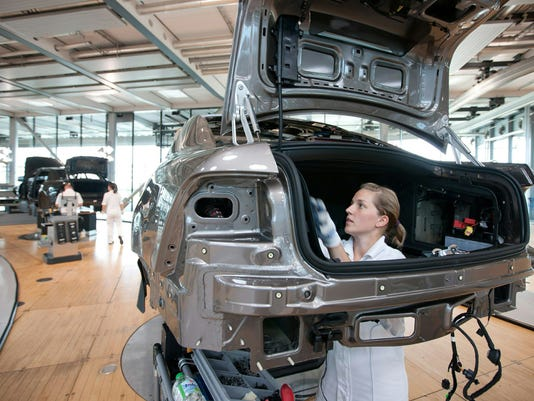 AFP GERMANY-ECONOMY-AUTO-ASSEMBLY-VOLKSWAGEN-PRODUCTION-FILES I FIN DEU SA