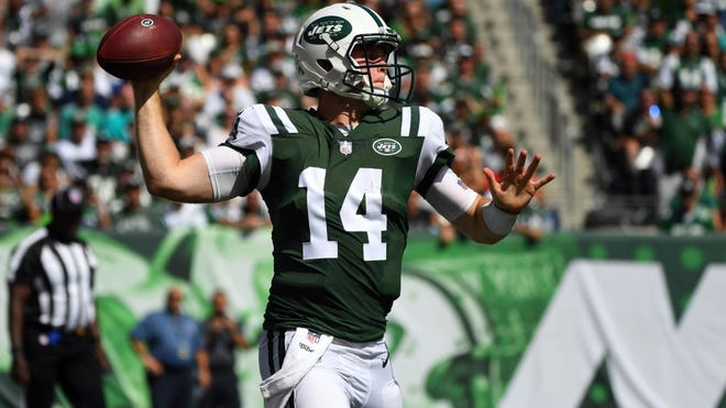 Sam Darnold had an up-and-down home debut. (Robert Deutsch-USA TODAY Sports)