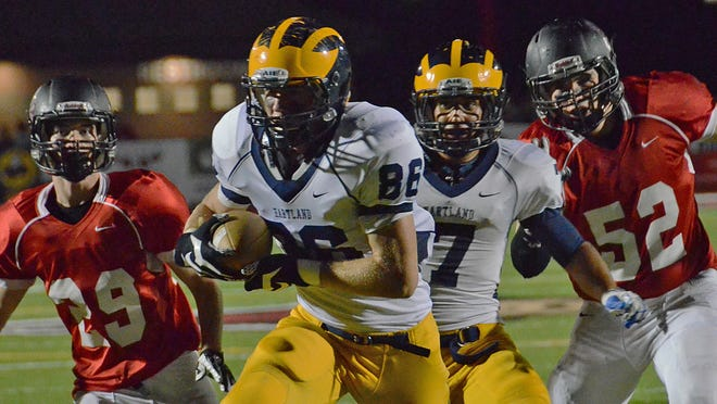 Nathan Skene (86), shown last season, will be one of Noah Marshall's main targets as Hartland aims to return to the playoffs this season.