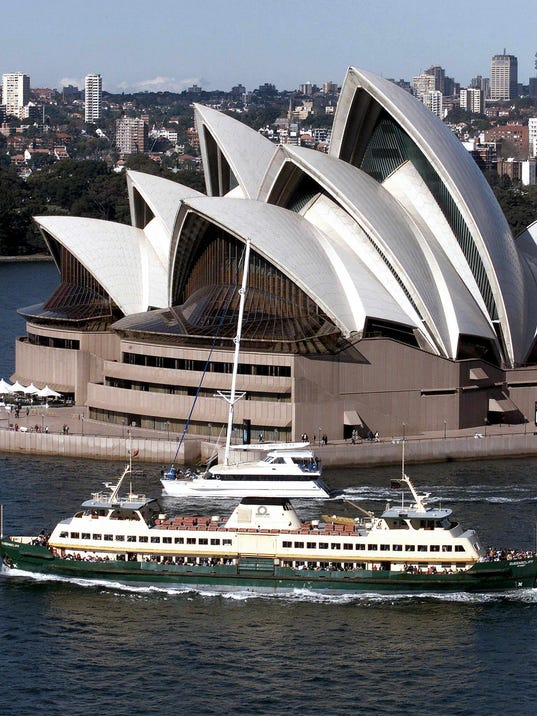 AFP OLY2000-OPERA HOUSE-MANLY FERRY SPORTS ORG AUS