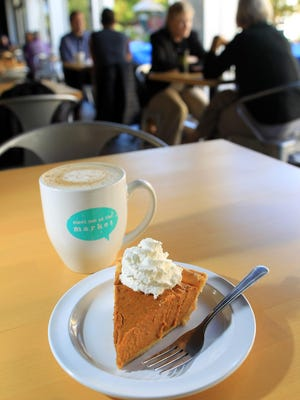 Bread Garden's pumpkin pie and pumpkin spice latte are seen on Tuesday, Sept. 29, 2015.