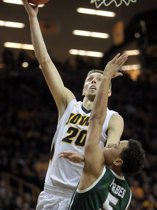 635869212165390930-IOW-0109-Iowa-mbb-vs-MSU-17.jpg