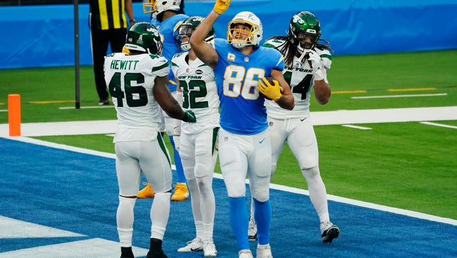 Los Angeles Chargers tight end Hunter Henry (86) celebrates his touchdown catch against the New York Jets during the first half of an NFL football game Sunday, Nov. 22, 2020, in Inglewood, Calif. (AP Photo/Jae C. Hong)