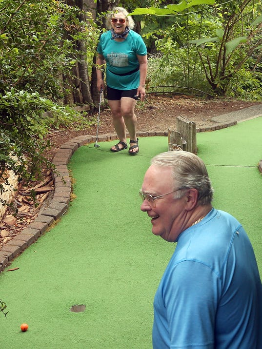 636355618908202985-Senior-Games-Mini-Golf-09.JPG