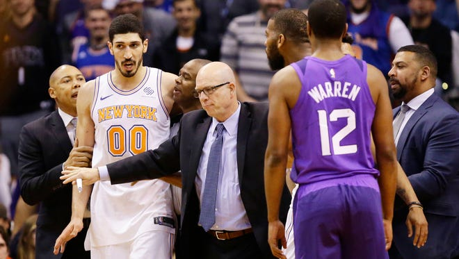 Suns forward Jared Dudley said his off-court beef with Enes Kanter (00) was about Dudley defending a team captain.
