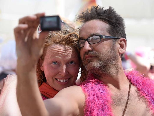 Images of faces and fashion at Burning Man 2015