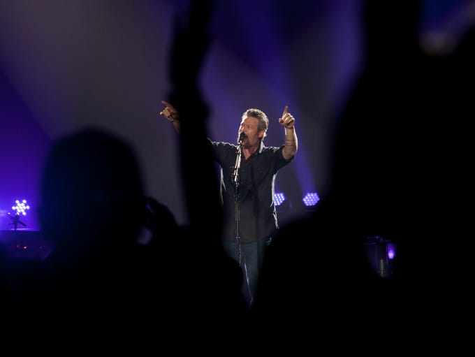 Blake Shelton tells fans about how he was able to open