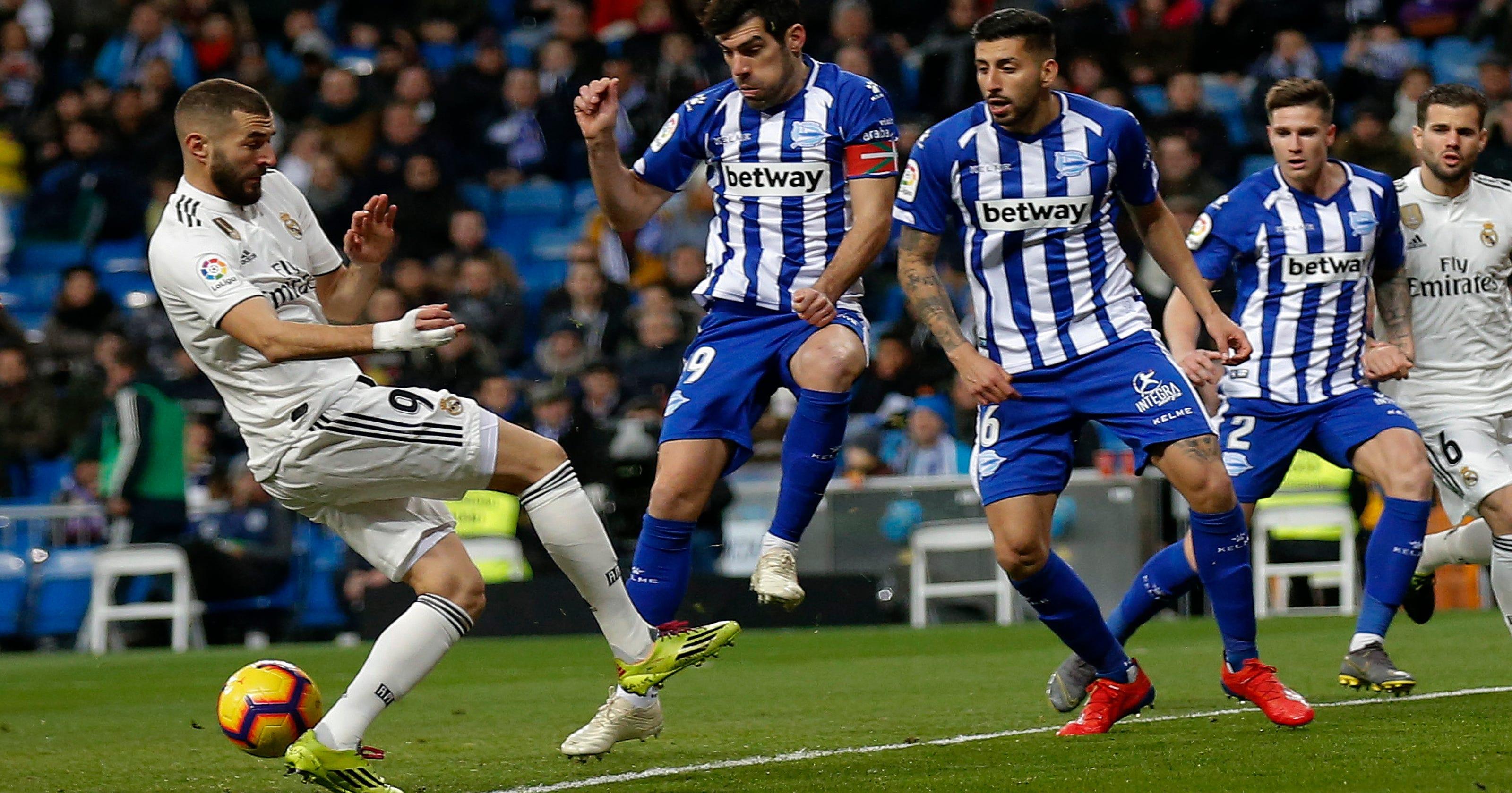 Atletico Madrid 1-1 Alaves: Kevin Gameiro scores last ...  |Atlético Madrid--alavés
