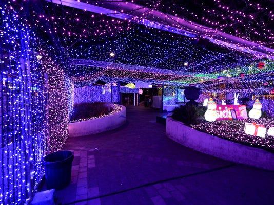 - 1.2 Million Australian Christmas Lights Set Record
