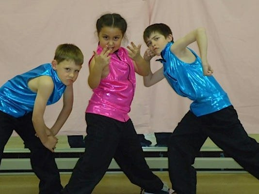 REN0507-MV SV dance revue.jpg