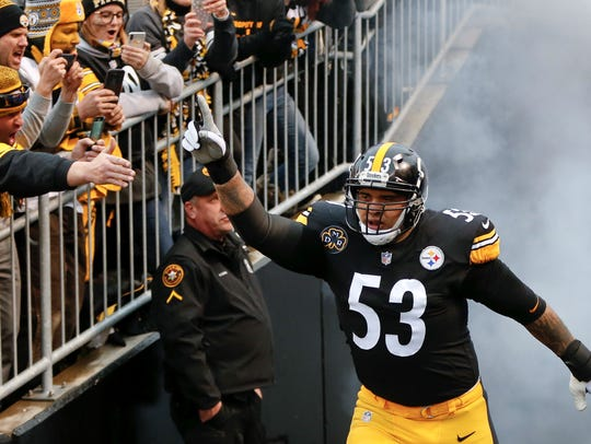 Pittsburgh Steelers center Maurkice Pouncey (53) is